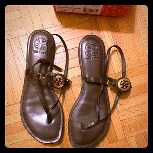Tory Burch Ali-Aneka Leather Thong Sandal Size 9